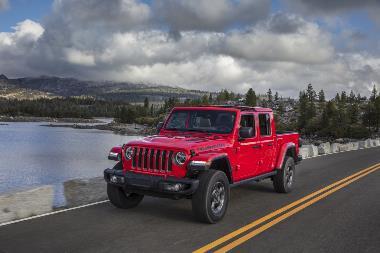 2020 Jeep Gladiator_front_left
